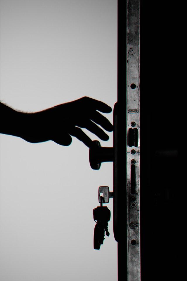 Les détecteurs d'ouverture connectés pour un bâtiment sécurisé